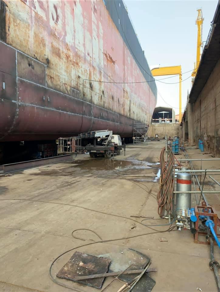 274 x 48m Tanker Underwater Sheet Change and Repair Work